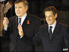 British PM Gordon Brown and French President Nicolas Sarkozy in Berlin (9 Nov 2009)