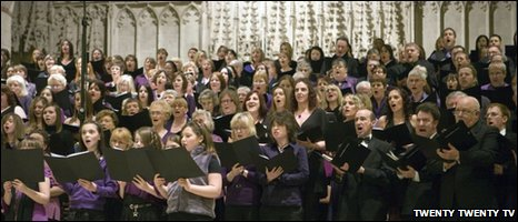 The South Oxhey Community Choir perform at St Alban�s Cathedral