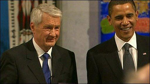 US President Barack Obama accepts the Nobel Peace Prize