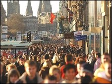 Princes Street shoppers