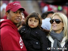 Tiger Woods, his daughter Sam and wife Elin (File pic: 21 Nov 2009)