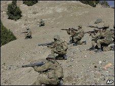 Pakistani army forces in South Waziristan, 26 Nov 2009