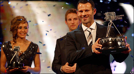 Ryan Giggs receives the award