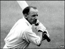 Don Bradman batting at Worcester in 1948