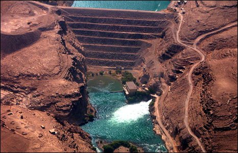 The Kajaki dam (image: US Army Corps of Engineers)