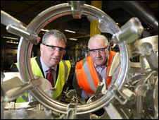 Mike Batt, manager of Carbon Trust (left) with Terry Ryan, chairman of Melloy