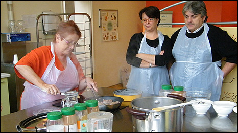 Cooking lesson at Pitie-Salpetriere Hospital