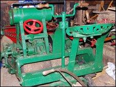 1902 vintage mower