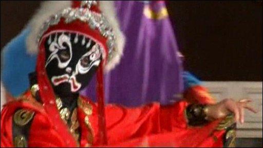 Sichuan Opera performer He Hongqing