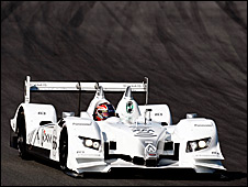 Gil de Ferran driving the Wirth-designed Acura