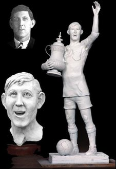 Roger Andrews' statue design