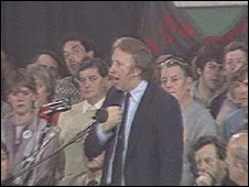 Miners' leader Arthur Scargil rallies pitmen during the 1984-5 strike