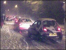 Gridlocked cars in snow in Tonbridge, Kent (Photo by Duncan Penfold)