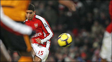 Denilson curls in Arsenal's opening goal