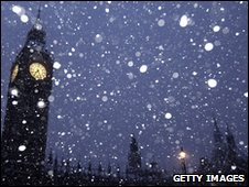 Heavy snow falls in London early in February