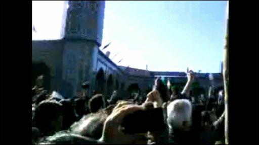 Crowds gather in Iran