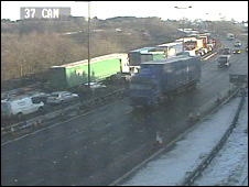 Traffic build-up on motorway Image: Traffic Wales