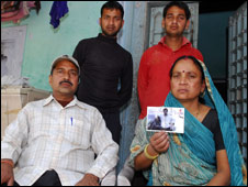 Jay Kumar Tiwari's family (Photo: Prashant Ravi)