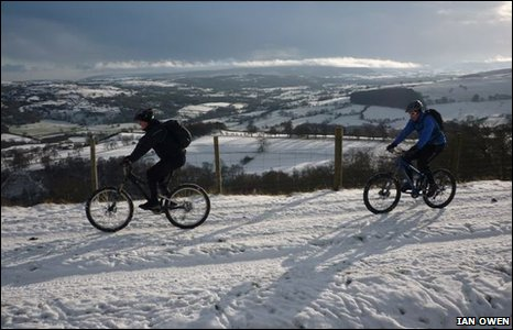 Mountain bikers enjoyed a guided tour of the Clwydian Range courtesy of Oneplanet Adventure, Llandegla