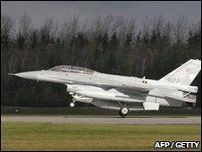 An F-16 figher