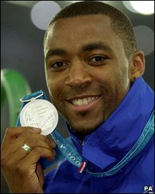 Darren Campbell with his 200m silver