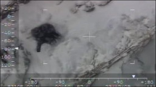 RAF footage shows a hiker stuck on mountain side in Snowdonia
