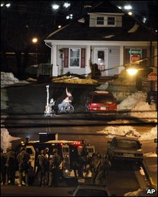 Suspected hostage-taker in Wytheville, VA (23 December 2009)