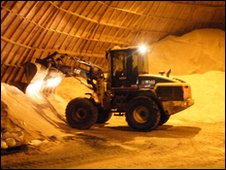 Digger inside the salt dome