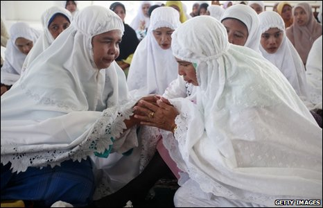 Women at a commemoration in Banda Aceh, Indonesia