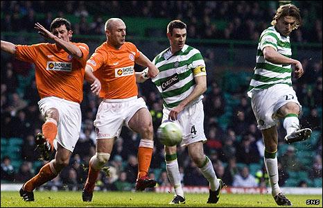 Glenn Loovens slams Celtic into an early lead