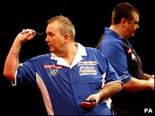 Phil Taylor (left) and Steve Hine