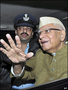 ND Tiwari on his return to Delhi from Hyderabad