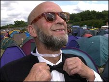 bbc news eavis wins 39 beard of the decade 39. Black Bedroom Furniture Sets. Home Design Ideas
