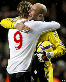 Liverpool striker Fernando Torres and goalkeeper Pepe Reina