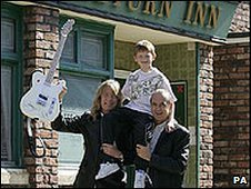 Quo stars on Coronation Street with young actor Sam Aston