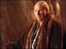Sir Patrick Stewart in Extras