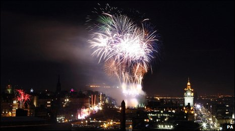 Hogmanay fireworks over Edinburgh city centre