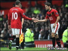 Manchester United's Wayne Rooney and Michael Owen