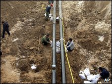 Workers repair diesel pipeline 3.1.10