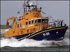 The current Humber lifeboat, Pride of the Humber, in action. Photograph by Steve Collins.