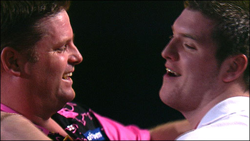 Scott Mitchell (left) congratulates Daryl Gurney