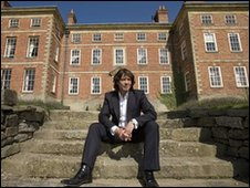 Laurence Llewelyn Bowen takes a tour of Tevor Hall, Trevor, near Llangollen