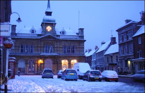 A snowy Towcester town centre early in the morning.