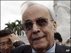 Ricardo Alarcon, president of Cuba's Parliament, talks to reporters on 6 January 2010