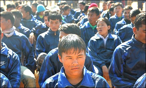Maoist child soldiers prepare to be released