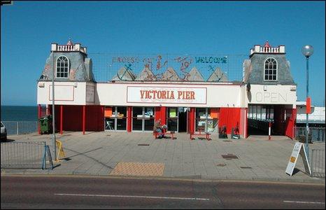 Entrance to Colwyn Bay pier, 2004