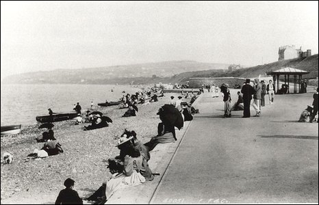 Old photo of Colwyn Bay prom
