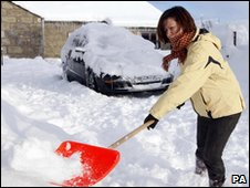 Clearing heavy snow in Corvichen
