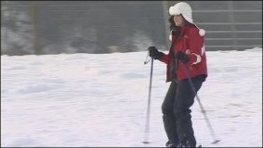 Claire Summers on skiis