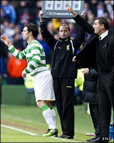 Scott McDonald comes on as a substitute against Rangers